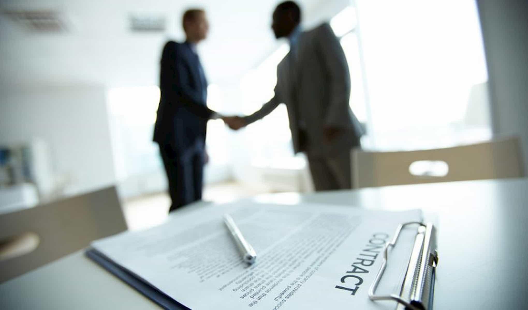 بستن قرارداد با مشتریان