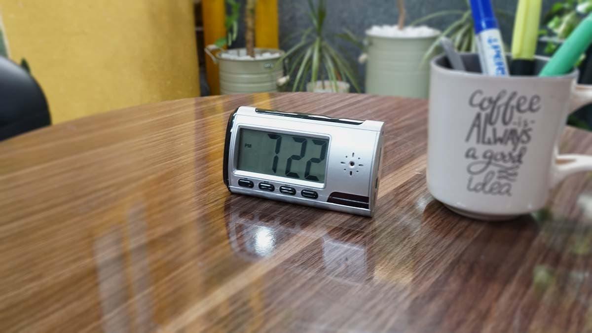 دوربین مداربسته کوچک ساعت رو میزی